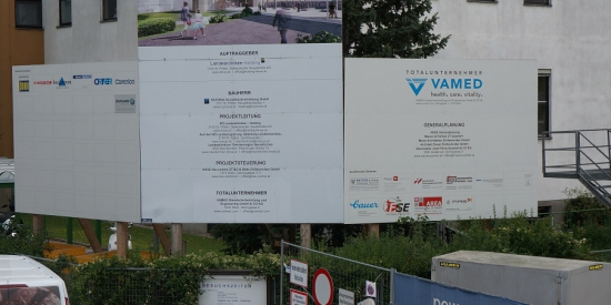 Gemeinsame Bautafel Landesklinikum Neunkirchen